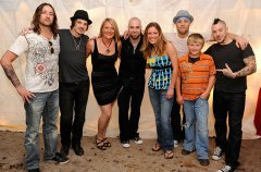 daughtry-backstage.jpg